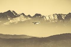 Samolot na tle Tatr